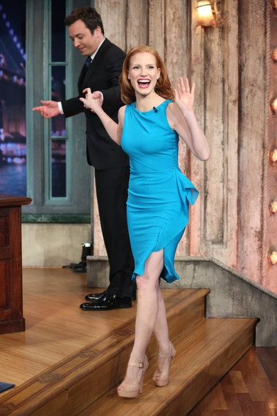 Jimmy Fallon, Jessica Chastain at Chastain, Gad, & More on Last Night's LATE NIGHT