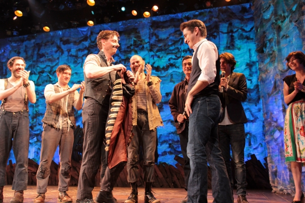 BWW Flashback: PETER AND THE STARCATCHER Flies from Broadway Today; Lands in a 'New World'