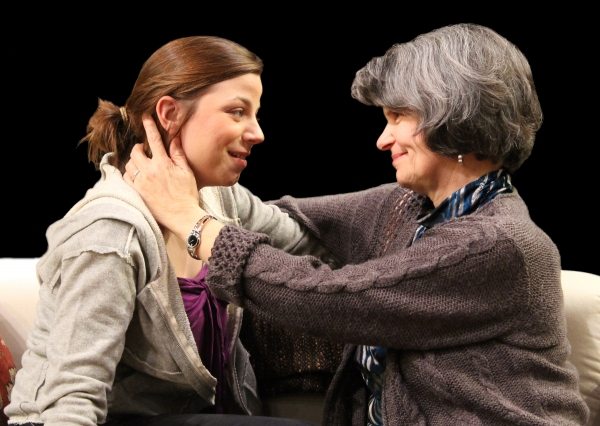 BWW Reviews: MEMORY HOUSE - Astounding, Emotionally Powerful Acting Saves Shaky Script