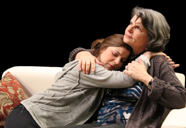 BWW Reviews: MEMORY HOUSE - Astounding, Emotionally Powerful Acting Saves Shaky Script