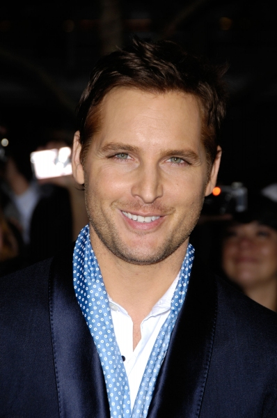 Peter Facinelli, Vitalie Taittinger to Open SAG Awards with Annual Champagne Toast, 1/27