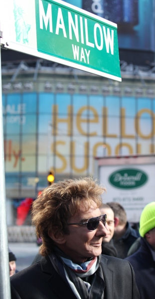 Photo Coverage: Barry Manilow Unveils 'Manilow Way' on 44th Street!