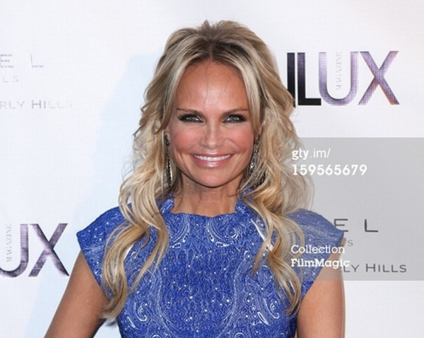 Photo Coverage: Kristin Chenoweth Sparkles in Blue Candy Jewelry