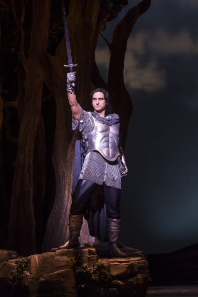 BWW Reviews: TUTS' CAMELOT is Mesmerizingly Regal