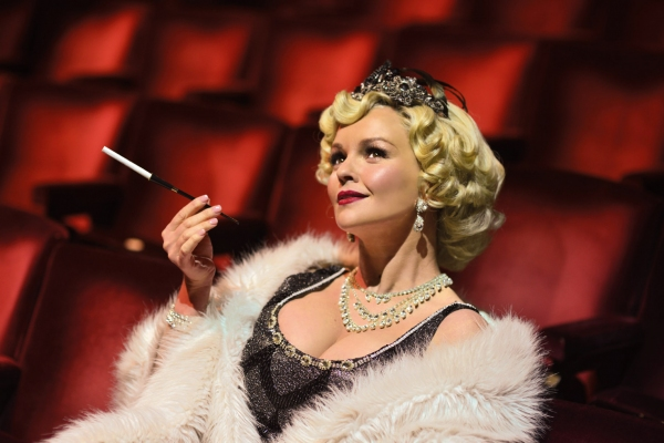 Photo Coverage: Jennifer Ellison Joins SINGIN' IN THE RAIN!