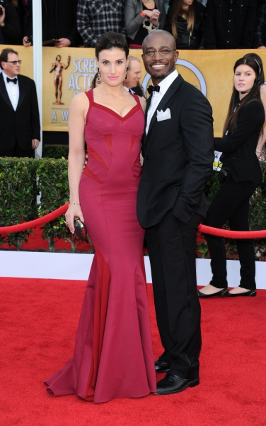 Photo Flash: Hathaway & More on 19th Annual SAG AWARDS Red Carpet