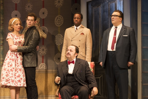 Photo Flash: First Look at Rufus Hound and More in West End's ONE MAN, TWO GUVNORS