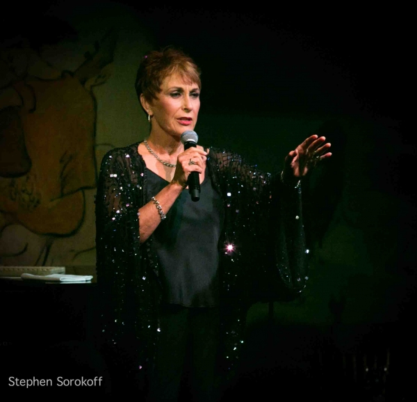 Photo Coverage: Amanda McBroom Brings A VALENTINE ROSE to Cafe Carlyle