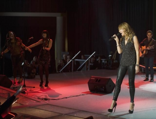 Photo Flash: NASHVILLE's 'There'll Be No Teardrops Tonight'