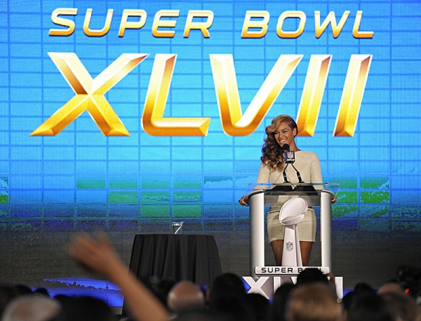 Photo Flash: 'Any Questions?'; Beyonce Addresses Lip-Gate at SUPER BOWL Press Conference