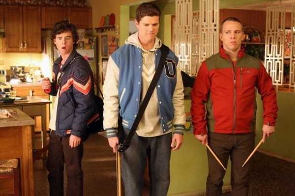 Photo Flash: THE MIDDLE's 'Winners and Losers'