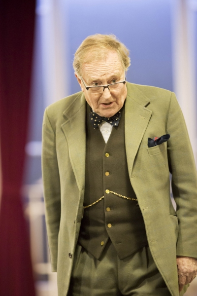 Robert Hardy Photo