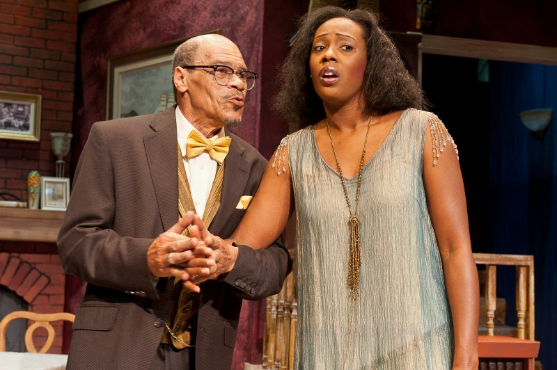 BWW Reviews: KNOCK ME A KISS - A Moving and Powerful Glimpse at an Unsung Hero