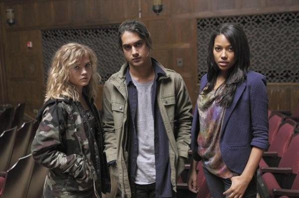 Photo Flash: First Look at ABC Family's New Series TWISTED