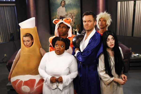 Gillian Jacobs, Yvette Nicole Brown, Donald Glover, Joel McHale, Alison Brie at COMMUNITY's 'Paranormal Parentage'