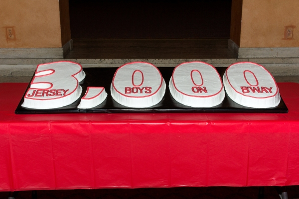 Photo Coverage: JERSEY BOYS Celebrates 3000th Performance!