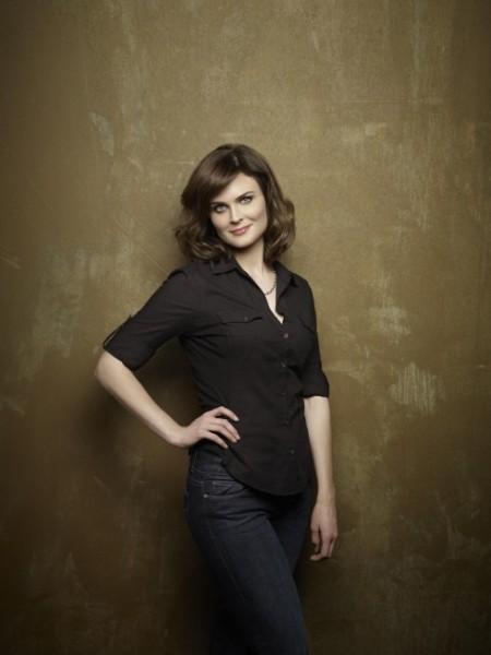 BWW Interview - Emily Deschanel Opens Up About BONES, Booth, & More