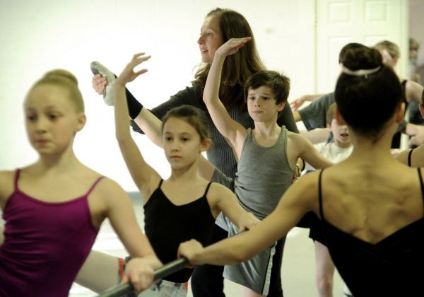 Pamela Merkel of Alabama Dance Academy, Mitchell Tobin and Other Company Dance Members of BILLY ELLIOTT