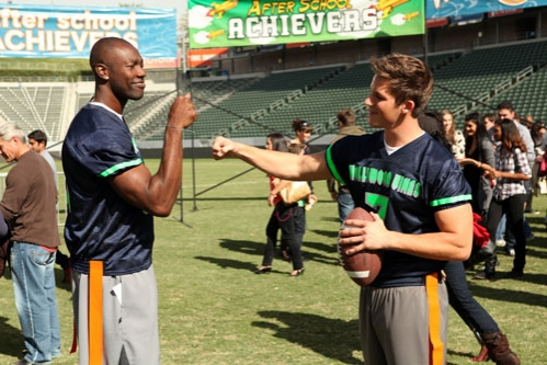 """90210 -- """"#realness"""" -- Image: NO513a_0044 -- Pictured (L-R): Terrell Owens as Himself and Matt Lanter as Liam -- Photo: Scott Humbert/The CW -- © 2013 The CW Network. All Rights Reserved"""