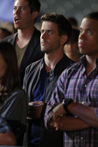 "90210 -- ""#realness"" -- Image: NO513a_0601 -- Pictured (L-R): Joey McIntyre as Rand and Tristan Wilds as Dixon -- Photo: Scott Humbert/The CW -- © 2013 The CW Network. All Rights Reserved"