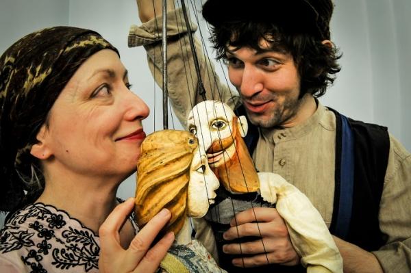 "Deborah Beshaw as Hela, Christopher Scheer as Piotr, Marionettes by Jakub ""Kuba"" Krejci."