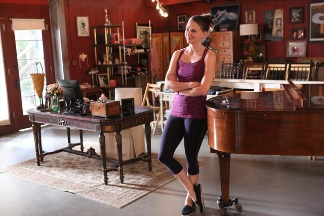 BWW Interviews: BUNHEADS' Sutton Foster Talks Co-Star Hunter, Ukuleles & Upcoming 'Broadway Audition'