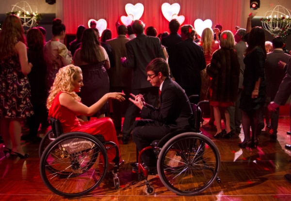 Photos and Audio: Tonight on GLEE- COMPANY, Ellie Goulding & More!