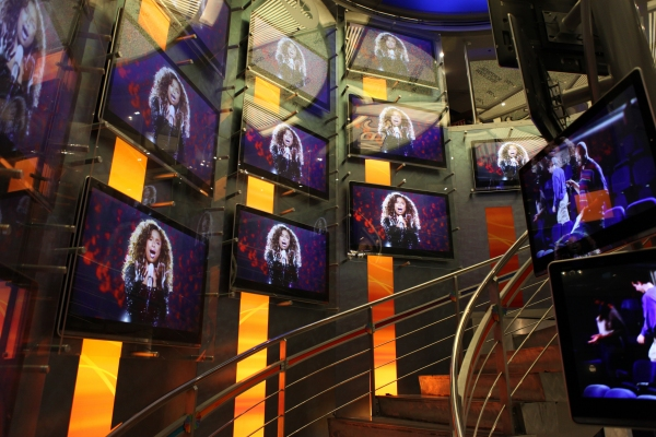Photo Coverage: Megan Hilty, Marc Shaiman & Scott Wittman Sign 'Bombshell' Albums