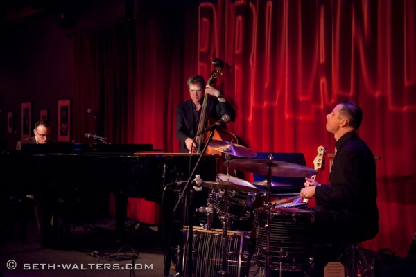 Photo Flash: CHICAGO's Carol Woods and More Perform at Birdland