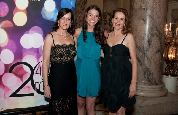 Photo Flash: Sutton Foster Attends 42nd Street Moon's IT'S DE-LOVELY Gala