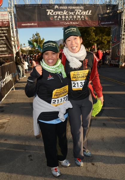 Photo Flash: Chandra Wilson, Sandra Oh & More Run for Charity