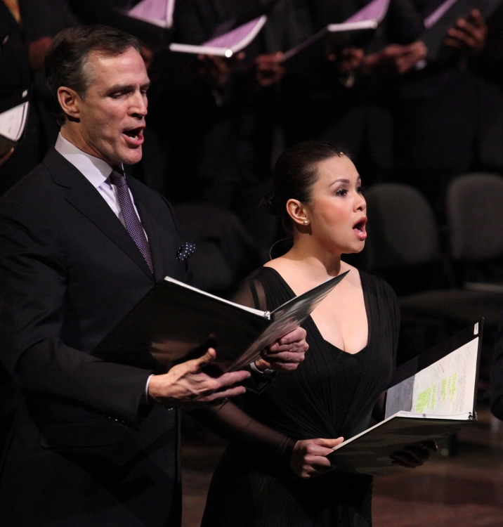 High Res Howard McGillin & Lea Salonga