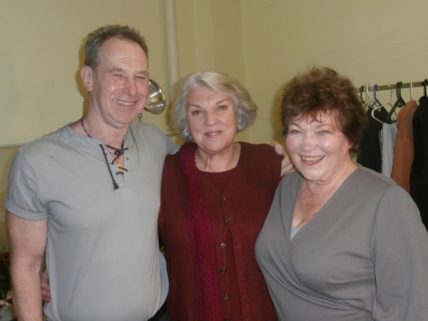 (left-right) Nigel Gore, Tyne Daly, and Tina Packer