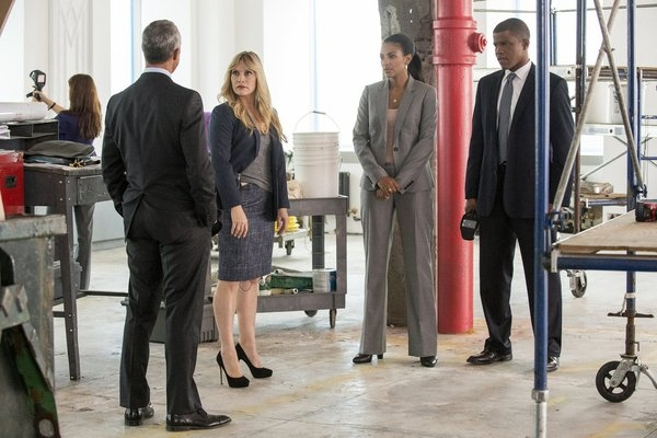 WHITE COLLAR -- 'Into the Wind' Episode 416 -- Pictured: (l-r) Titus Welliver as Terrence Pratt, Marsha Thomason as Diana Berrigan, Sharif Atkins as Clinton Jones -- (Photo by: David Giesbrecht/USA Network)