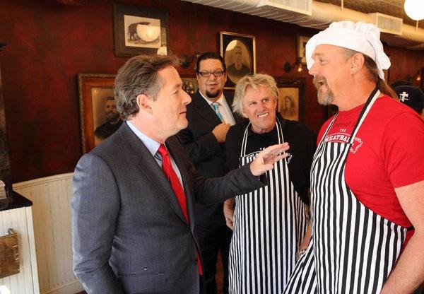 Piers Morgan, Penn Jillette, Gary Busey, Trace Adkins Photo