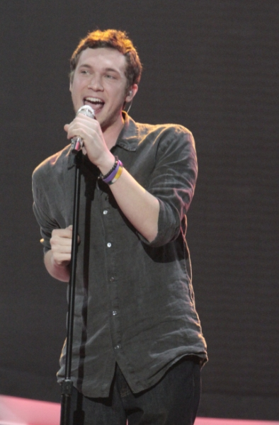 IDOL Winner Phillip Phillips to Perform on MTV's NIKKI & SARA LIVE, 2/26