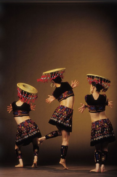 Regional Dance Company of the Week: Lily Cai Chinese Dance Co., CA!