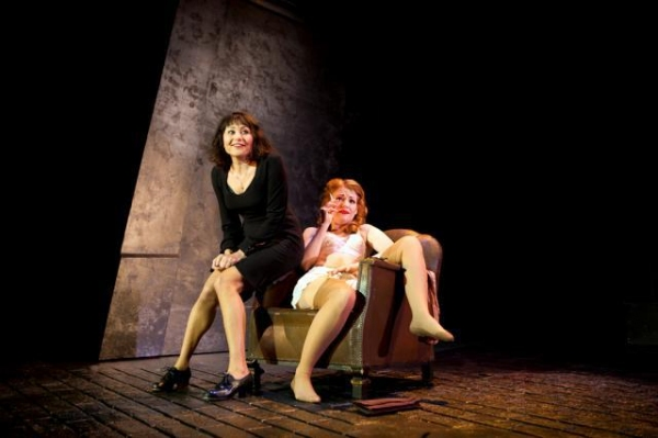 Photo Flash: First Look at Frances Ruffelle and More in West End's PIAF