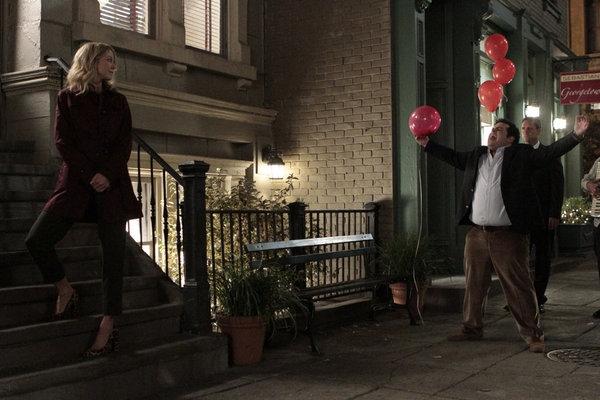 Jenna Elfman, Josh Gad