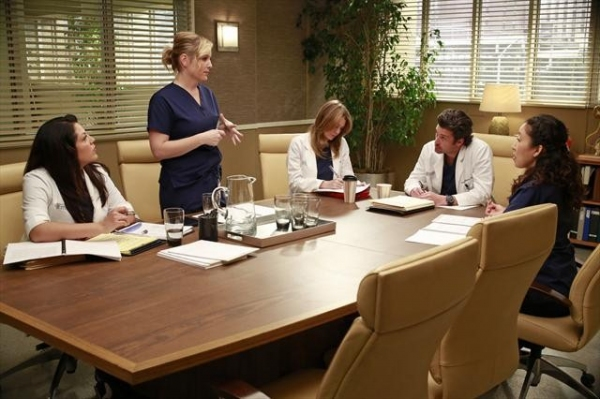Photo Flash: GREY'S ANATOMY's 'Transplant Wasteland,' Airing 3/14