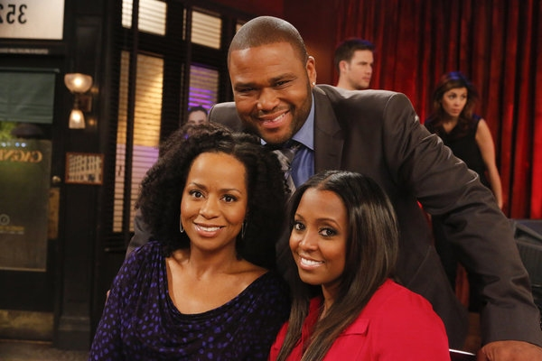 Photo Flash: Keshia Knight Pulliam Guest Stars on Tonight's GUYS WITH KIDS