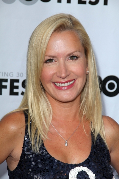 Angela Kinsey to Join Rob Riggles in Fox's THE GABRIELS