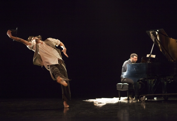 Encoded Revision (1996) Choroegrapher: Peggy Baker: Dancer: Benjamin Kamino Pianist: John Kameel Farah photos credit: John Lauener