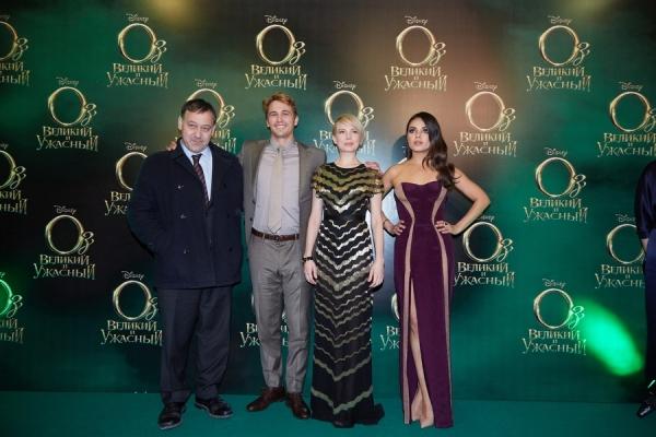 Sam Raimi, James Franco, Michelle Williams, and Mila Kunis