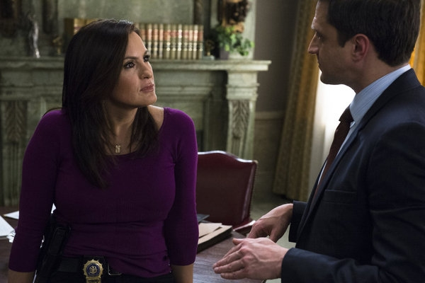 Photo Flash: First Look - LAW & ORDER: SVU's 'Undercover Blue,' Airing 3/20