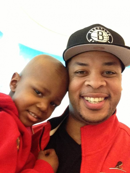 Photo Flash: Gospel Singer James Fortune Visits St. Jude's Children's Hospital in Memphis