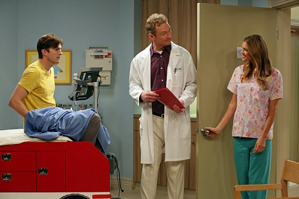 Photo flash first look next week s two and a half men