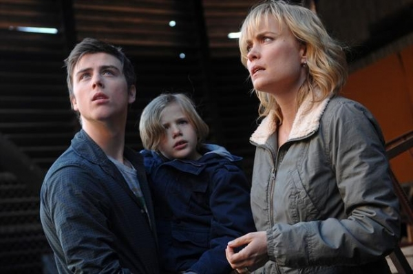 Sterling Beaumon, JAKOB SALVATI, RADHA MITCHELL