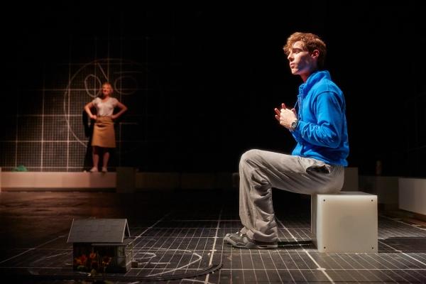 NIAMH CUSACK as Siobhan and LUKE TREADAWAY as Christopher Boone Photo