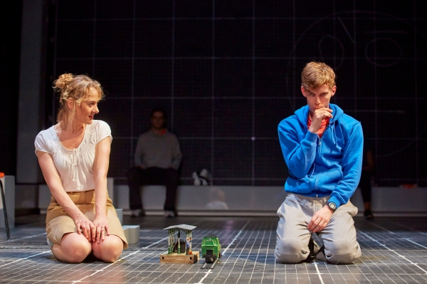 NIAMH CUSACK as Siobhan, LUKE TREADAWAY as Christopher Boone